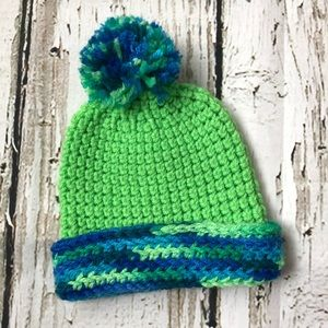 Other - 🌿Adorable hand knitted hat green blue infant baby